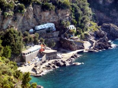 Costa Amalfitana, mar azul-esmeralda