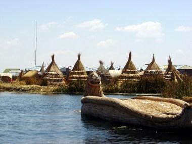 Ilha dos Uros, lago Titicaca, no Peru