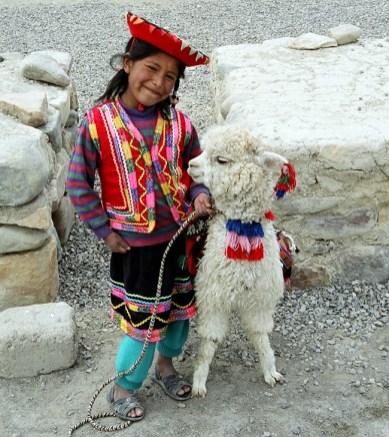 Menina índia no Vale do Colca