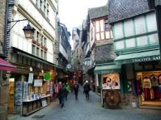 Mont Saint-Michel, interior das muralhas - Foto Manual do Turista