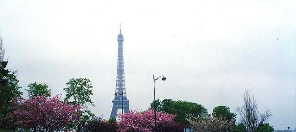 Paris, França, durante a primavera