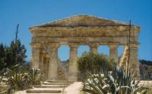 Ruínas de templo grego na Sicília, Itália
