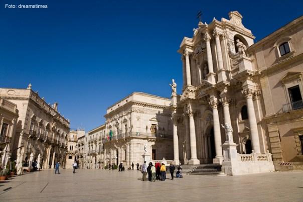 Siracusa, cidade fundada pelos gregos, Sicília
