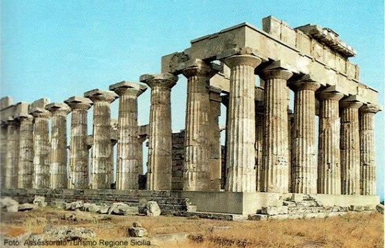 Templo em Selinonte, próximo a Trapani, Sicília