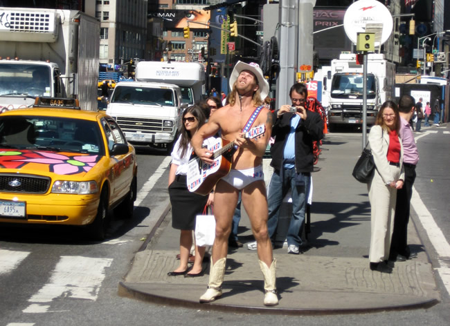 The Nude Cowboy, Manhattan, New York, foto Barão
