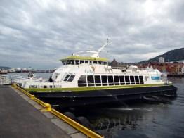 Barco de excursão, fiordes noruegueses