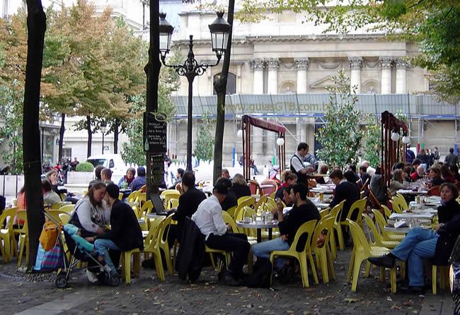 Café no Marais, em Paris