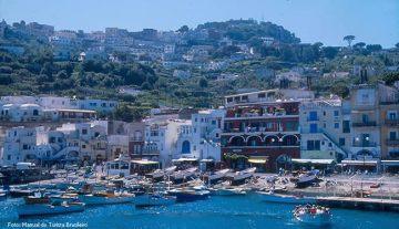Capri, no Golfo de Nápoles, Itália