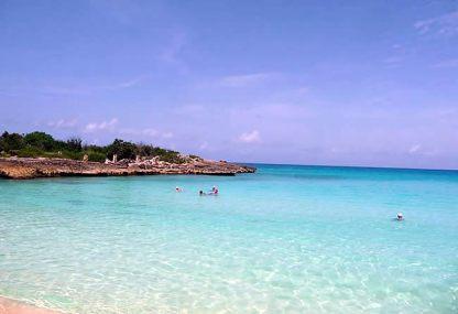 Praia de Cay Bay, lado holandês, Saint-Martin