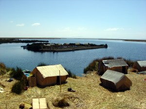 Ilhas flutuantes dos Uros, Lago Titicaca, no Peru