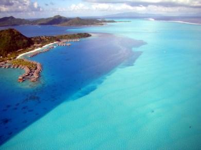 Laguna de Bora Bora, fotografada de um helicóptero, Tahiti