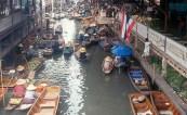 Mercado Fluante próximo a Bangkok