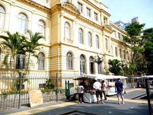 O tradicional Colégio Caetano de Campos, São Paulo