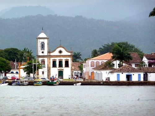 Paraty vista do mar, igreja colonial