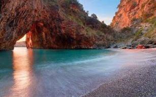 Praia de Arcomagno na Calábria