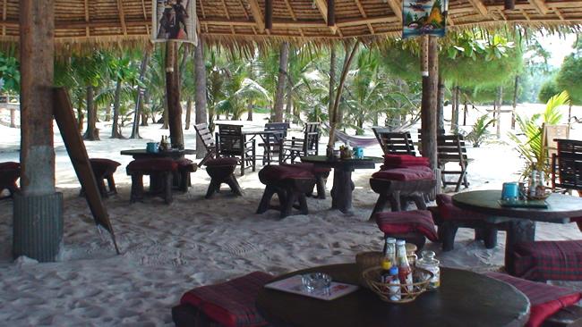 Phi Phi, Tailândia, restaurante-administração de grupo de chalés