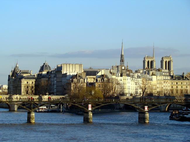 Pont des Arts sobre o Rio Sena, em Paris