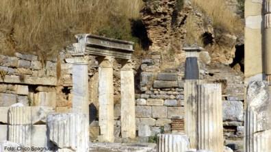 Ruínas de templo em Éfeso, Turquia