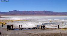 Excursionistas no Salar de Uyuni