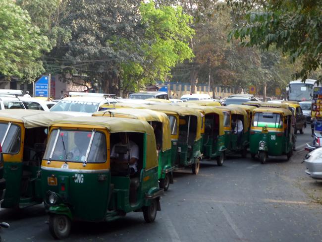 Scooters Rick-Shaws em Delhi, Índia