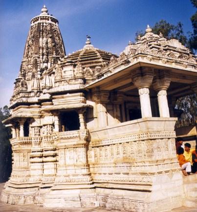 Templo hindu estilo shikara, Rajastão, Índia