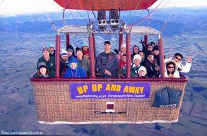 Balão próximo aos Alpes Neozelandeses