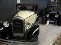 Modelos, carros antigos, Reims, França