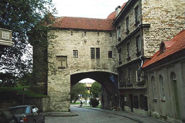 Construção medieval em Tallin, Estônia