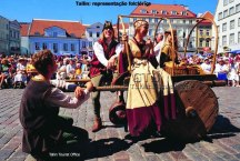 Festa folclórica em Tallin, Estônia