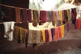 Lãs tingidas com pigmentos naturais