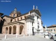 Urbino, igreja estilo barroco-italiano 01