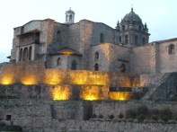 Corincancha ao anoitecer. Cusco, Peru.