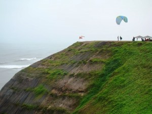 Paraglider em Miraflores, Lima, Peru