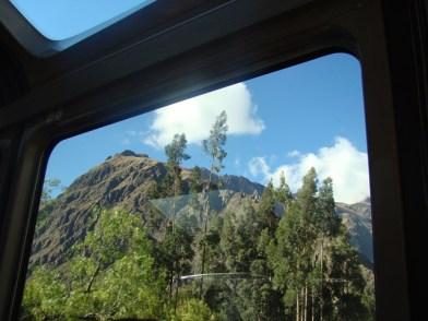 No trem Vistadome entre Cusco e Machu Picchu