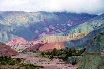 Estrada entre a Quebrada de Humahuaca e Salina Grande