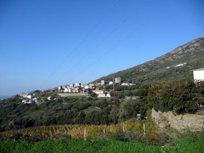 Cape Cors, aldeia numa colina