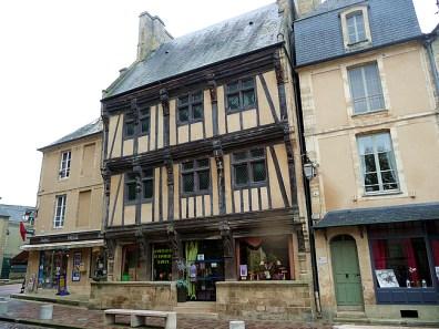 Bayeux, construção tradicional