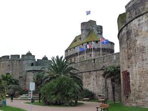 Saint-Malo, as muralhas da cidade velha.