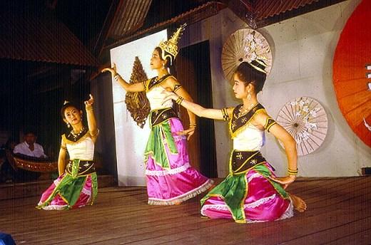 Bailarinas em Chiak Mai, Tailânia
