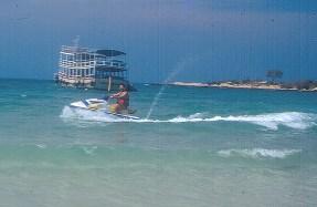 Jet-esqui em Phi-Phi Island