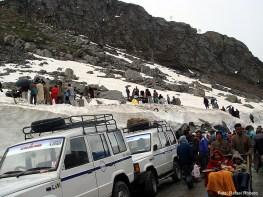 Norte da Índia, nevasca bloqueia a estrada