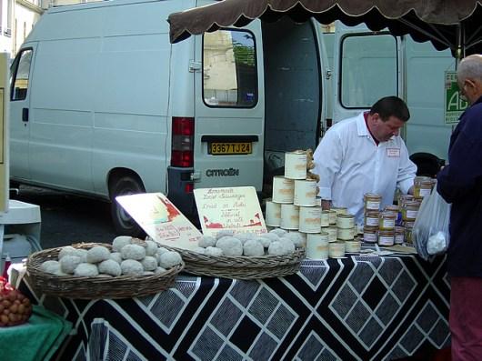 Vendedor de queijos em Sarlat