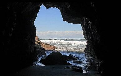 Ilha do Mel, gruta