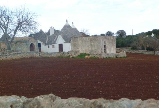 Trulli em zona rural perto de Alberobello