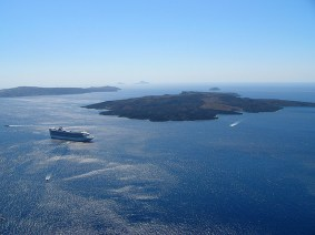 Grécia, Santorini, foto deRobert Youg-ccby