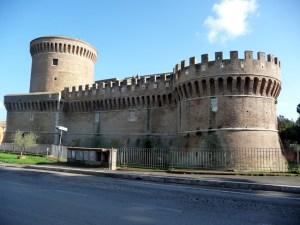 Castelo de Ostia Antica, ao lado das ruínas romanas
