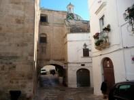 O centro histórico de Ostuni, Itália, com traçado medieval