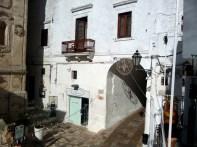 Passagem em Ostuni, Itália