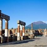 Pompeia, Itália, as ruínas e o Vesúvio ao fundo