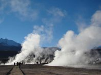 Gêiseres de El Tatio, a quase 5.00 metros, no Atacama, Chile